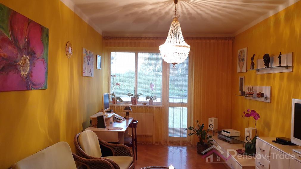 3 izbový tehlový byt po rekonštrukcii, s balkónom, Cesta pod Hradovou